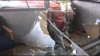 Crash into building damages classic car - 2010-09-10