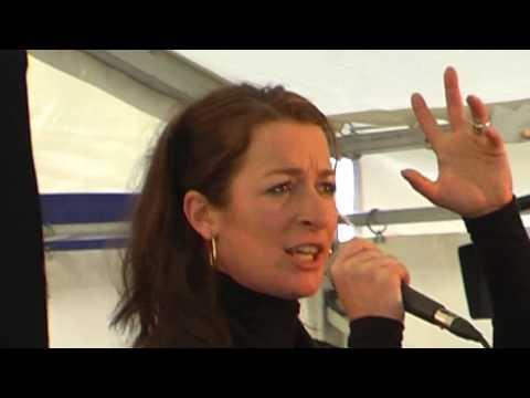Maria Fuchs singt