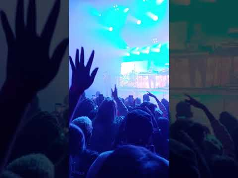 de1041db Pretty Little Lies - 6LACK (Live at The Warfield SF December 3 ...