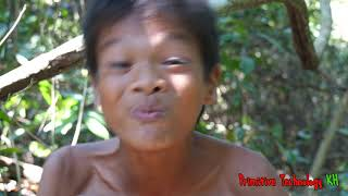 Primitive Technology - Eating delicious - Smart cooking pork belly on a rock