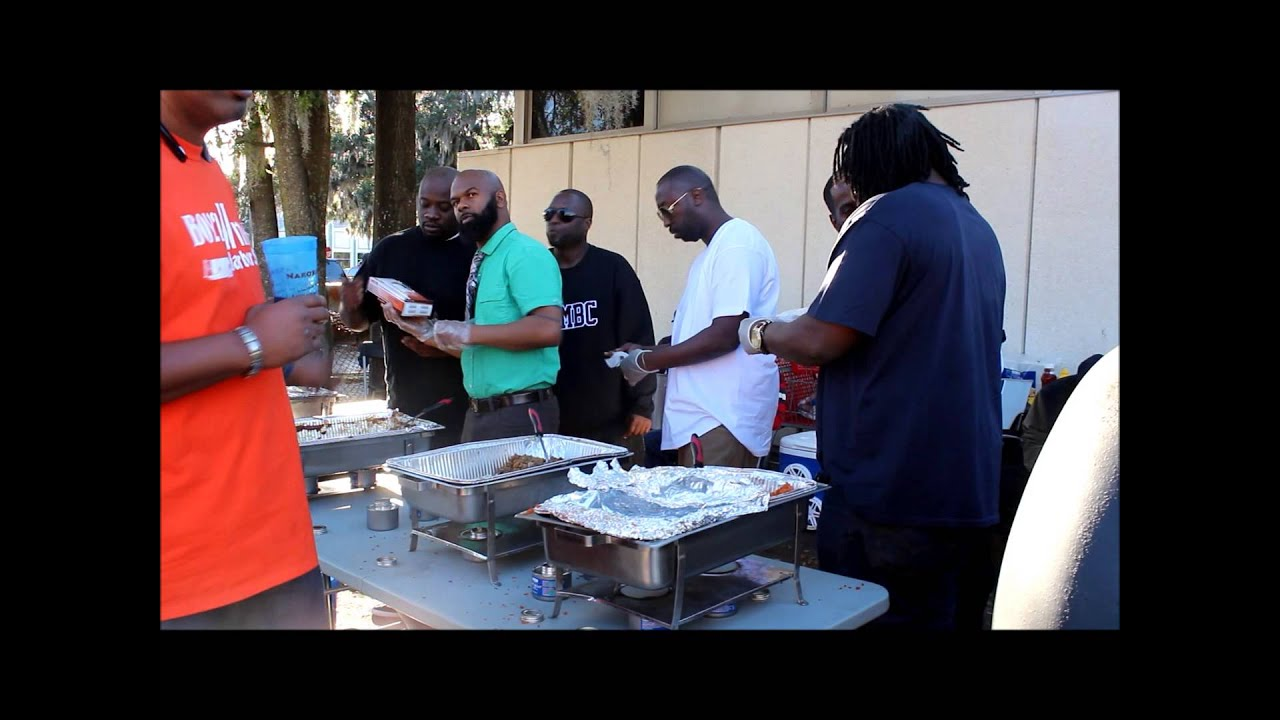 BOYZ 2 MEN BARBER SHOP GIVING BACK MLK DAY 2015 - YouTube