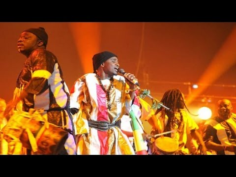 Wally B. Seck - Beug Maodo (Hommage aux Tidianes) Live vogue 2017