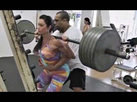 Girls are using fake weights now too?