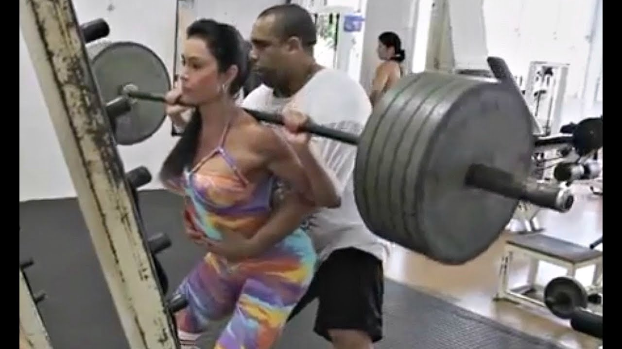 Girls are using fake weights now too youtube