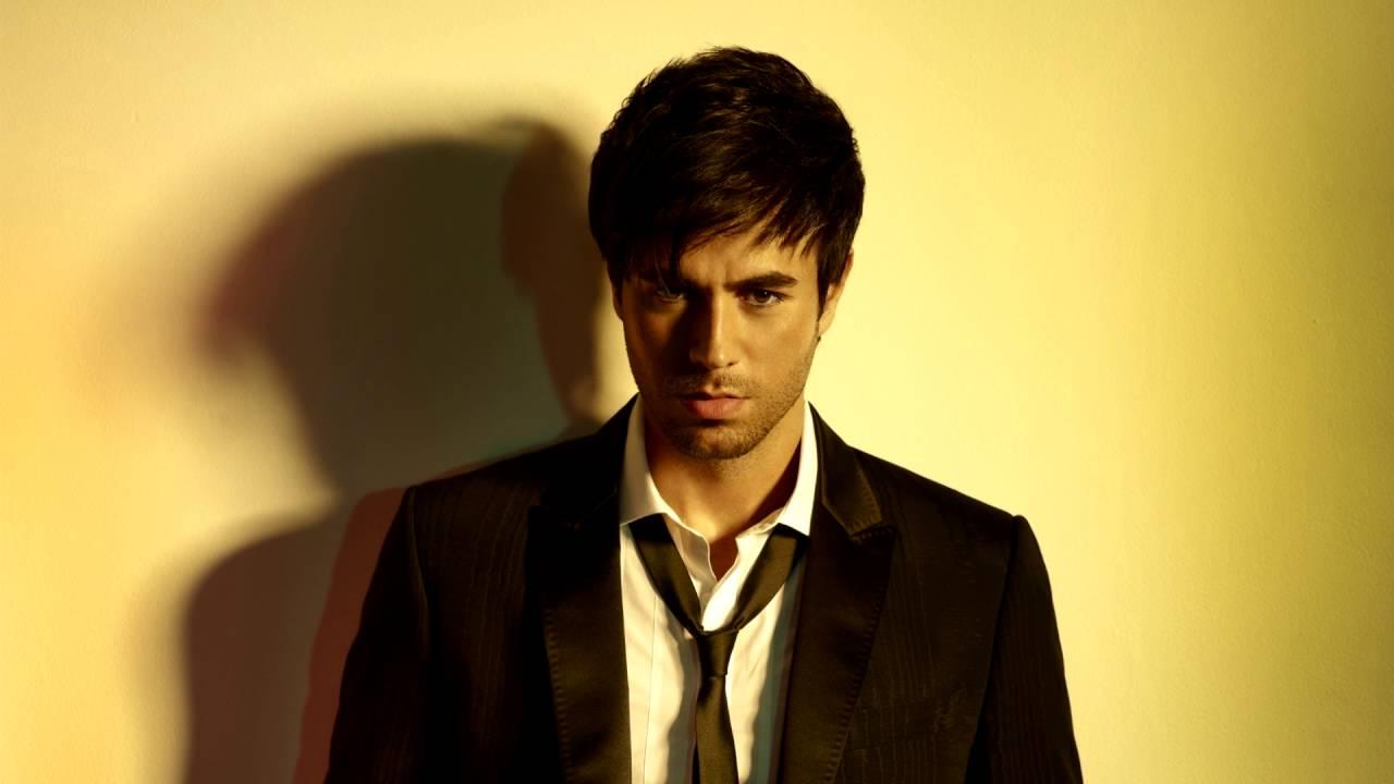 Download Enrique Iglesias - DUELE EL CORAZON (Lyric Video) ft. Wisin remix