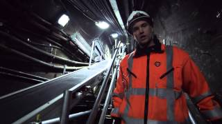 St Paul's Logistic Hub - innovation to keep London moving - Tube improvements(Replacing track is the biggest rebuilding programme the Tube has ever undertaken. In order to do this safely and cost effective as possible we created an ..., 2014-09-30T09:57:34.000Z)