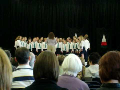 Ysgol Gymraeg Casnewydd Choir 2009