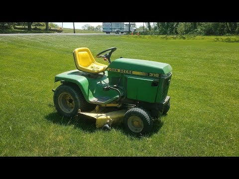 The Tractor That Started it All For Me - Mowing With the 1986 John Deere 318