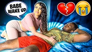 NOT WAKING UP TO SEE HOW MY GIRLFRIEND REACTS!! *Cute Reaction*