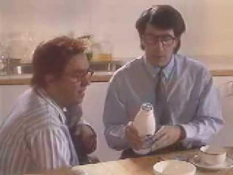 parodie c'est quoi cette bouteille de lait