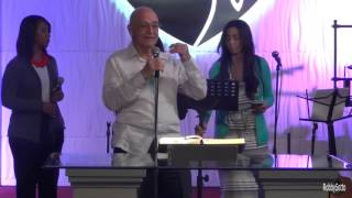 Oración y Palabra Inicial .---  Hno. Luis Pérez