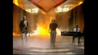 Genesis - Throwing it all away (TV)