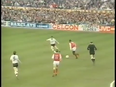 CLASSIC MATCHES - EPISODE 1: Arsenal -v- Manchester United (1987/88) - FOOTBALL LEGENDS