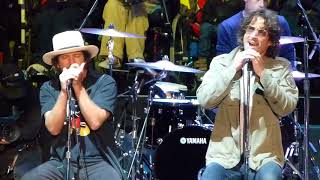 "Eddie Vedder and Chris Cornell's last performance of ""Hunger Strike"""