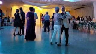 Inicio del Baile- Boda De Oro Mine & Luis