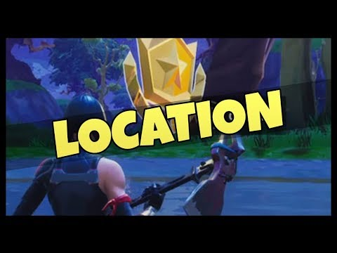 Fortnite: Search Between VEHICLE TOWER, ROCK SCULPTURE, and a CIRCLE OF HEDGES Challenge Location