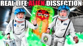 24 HOUR BOX FORT Spaceship Real Life ALIEN ESCAPE! Treasure X Aliens Challenge
