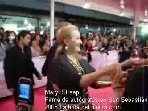 Meryl Streep firma autógrafos