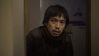 「ウェット」 自殺志望の若い男が、幽霊が出ると噂の部屋を訪れる。 彼...