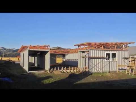 видео: Дом из 4 х контейнеров с внутренним двориком