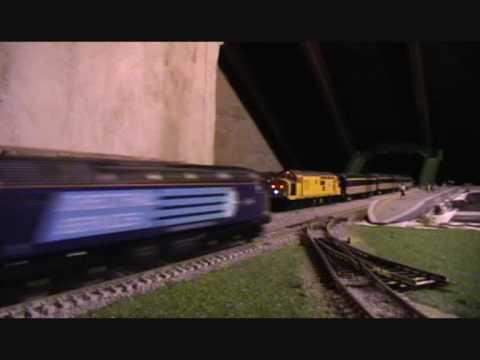 Model Rail Magazine Limited Editions :  Network Rail 97303 & DRS 47501 ' Craftsman '