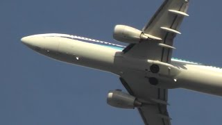 小松空港で撮影したANA Boeing 737-881 JA59ANの離陸。この日、空港の南...