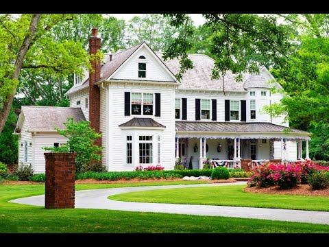 35 classic house design ideas traditional home design for Classic houses images