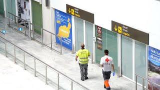 Un hombre se salta el aislamiento y viaja en avión a Lanzarote