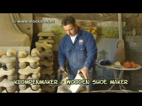 de klompenmaker / how to make wooden shoes