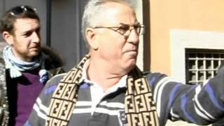 12-11-11 LITE FASCISTI CONTRO COMUNISTI DI FRONTE A MONTECITORIO