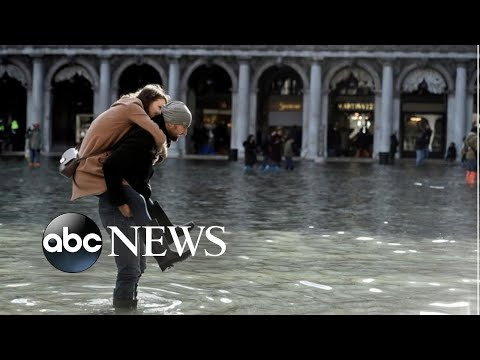 Flooding emergency in Venice l ABC News