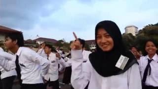 Video Flashmob Project HELIX (ELINS '16) : Kewer-Kewer - Libertaria feat. Riris Arista download MP3, 3GP, MP4, WEBM, AVI, FLV Juli 2018