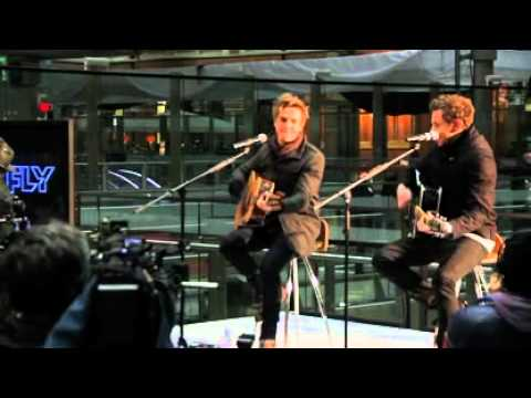 McFly-5 colours in her hair acoustic (St. Pancras)