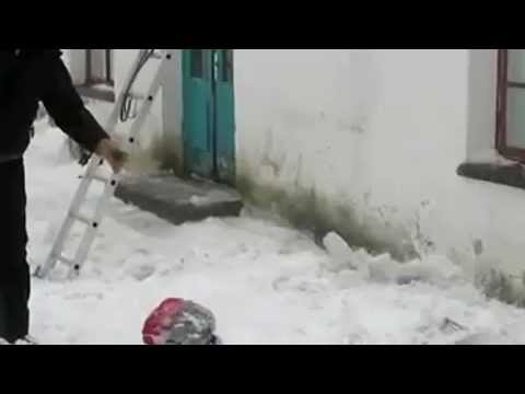 Roof Snow Cleaning Fail