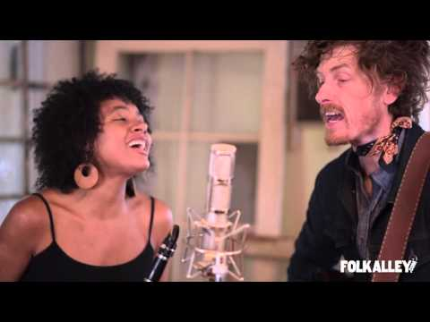 """Folk Alley Sessions: Birds of Chicago - """"Remember Wild Horses"""""""