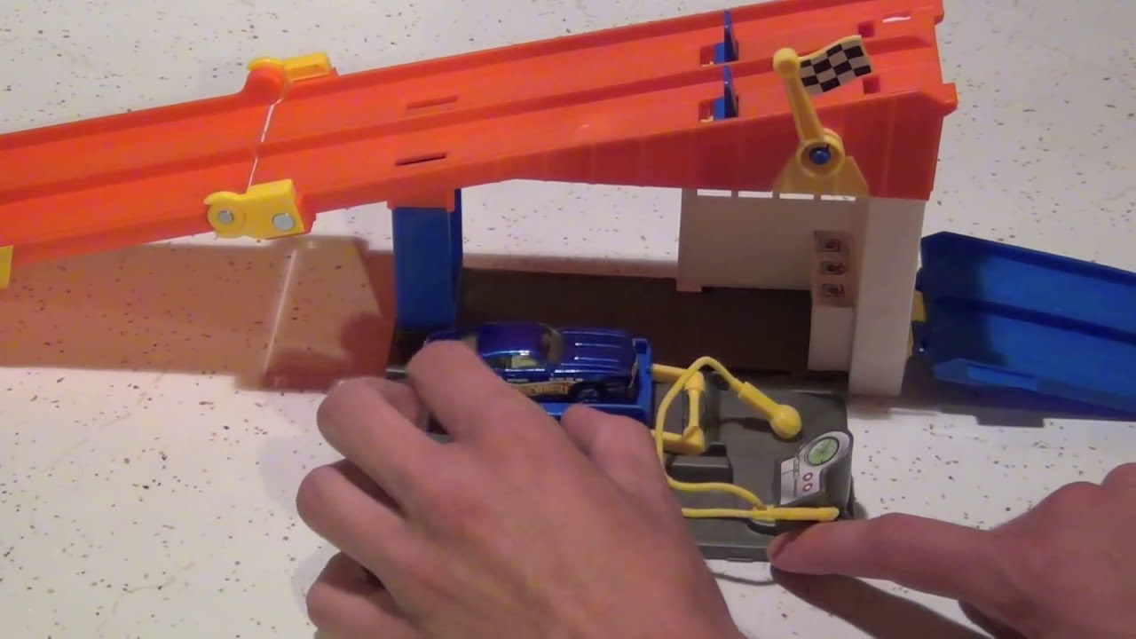 Hot Wheels Rooftop Race Garage Playset Unboxing/Review ...