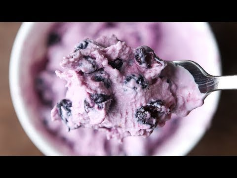 Healthy Snack Ideas | 3 Ingredient Frozen Blueberry Greek Yogurt - YOGURTTI 30