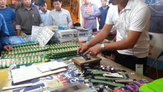 Zing.vn - Bắc loa bán dao '16 công dụng' như phim quảng cáo
