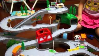 老大的新玩具~小汽車山路趴!!