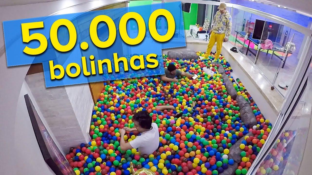 COLOQUEI 50.000 BOLINHAS NA SALA DE CASA !!!