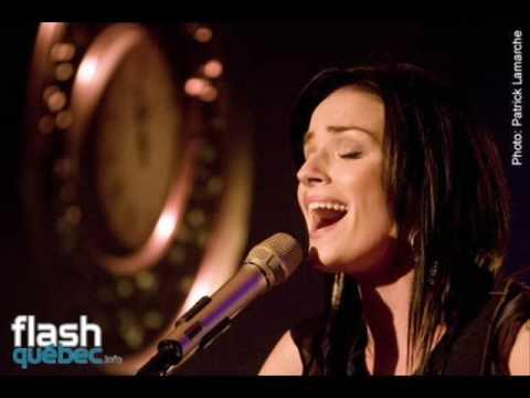 Andrée Watters, le tour du monde karaoke