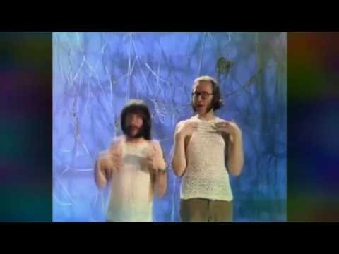Everybody loves string song - the goodies