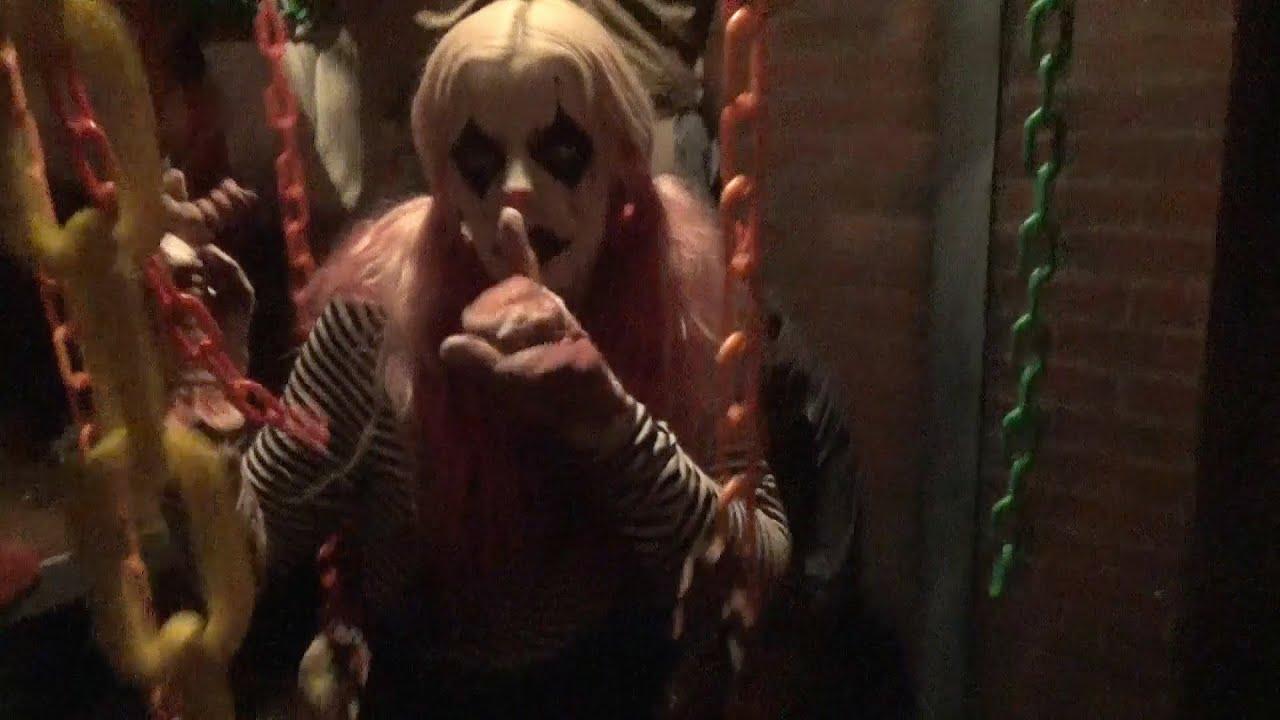 giggles and gore haunted house highlights halloween horror nights orlando hhn 24 youtube - Halloween Horror Night Theme