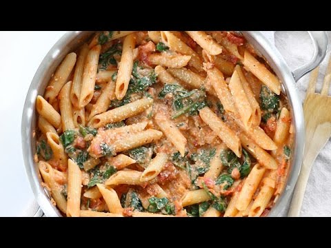 Creamy Tomato And Spinach Pasta