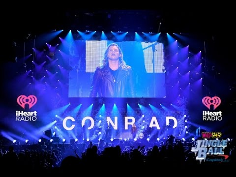 """Conrad Sewell """"Hold Me Up"""" - Madison Square Garden"""