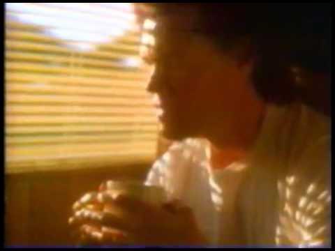 1996-randy-travis-folgers-commercial