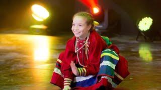 Дмитриева Полина на концерте ансамбля народного танца «Каблучок» имени Киры Черданцевой с частушками