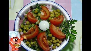 салат с жаренными шампиньонами, мясом и овощами