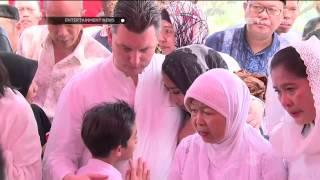 Prosesi Pemakaman Ibunda Maudy Koesnaedi