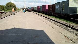#I12367 #vikramshila #jamalpur #wdm3A #LHB #ALCo #malda vikramshila express Silently crossing fatuha